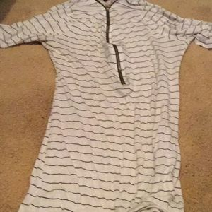Dresses & Skirts - I'm selling this zip up dress